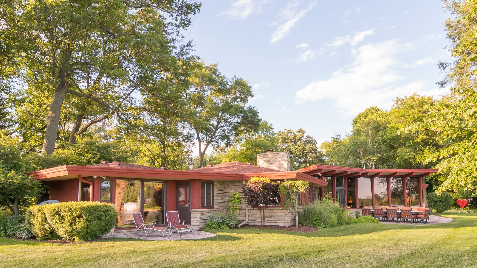 Midcentury lakefront house beautifully restored asks for Century home builders