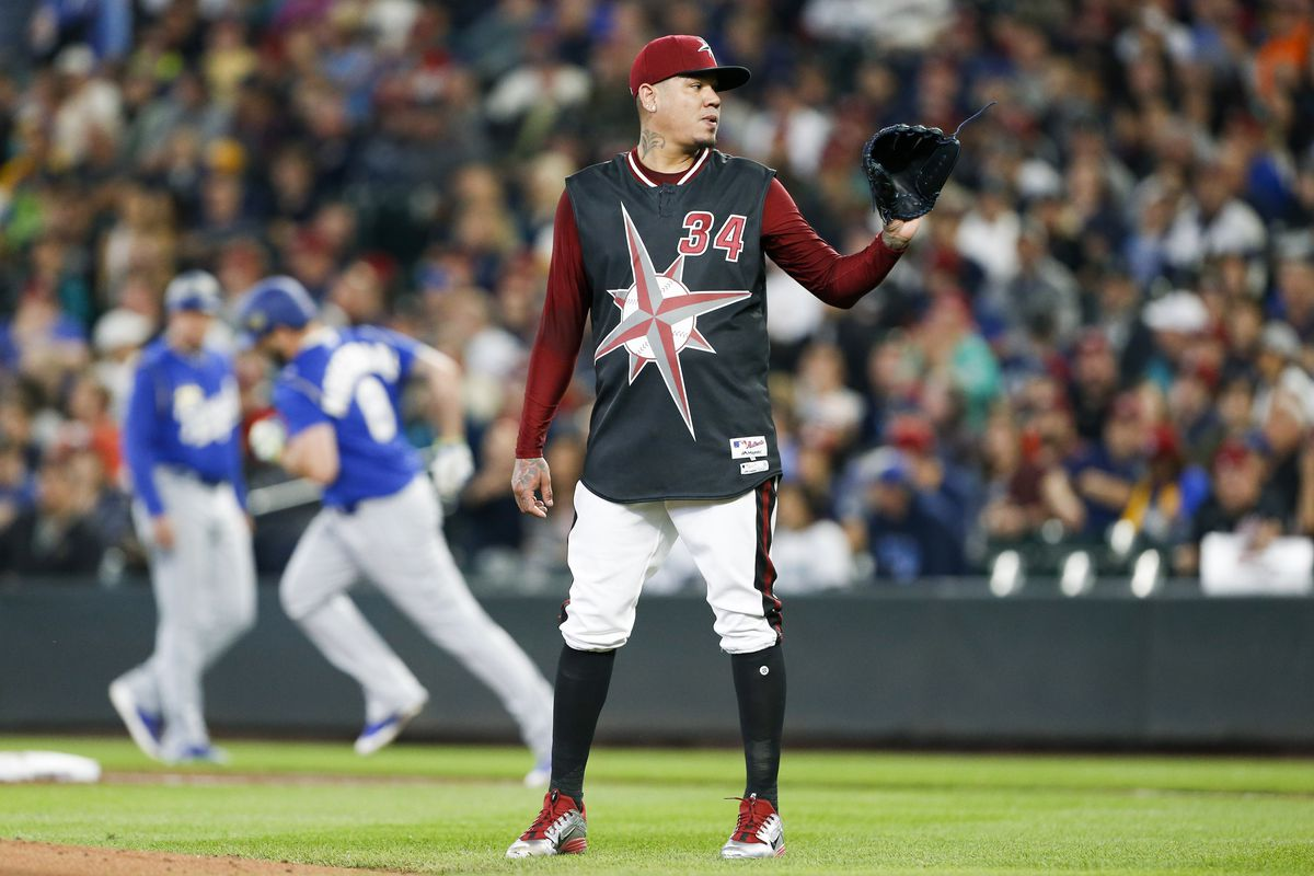 """new product 2e840 8e380 Royals, Mariners show off futuristic jerseys in """"Turn Ahead ..."""