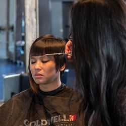 Makeup and hair stylists come directly to you | beGlammed