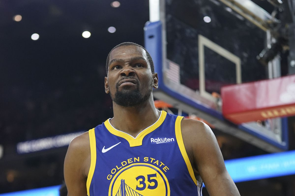 f3a7066a058 Kevin Durant is figuring out how to lift the Warriors  offense by himself