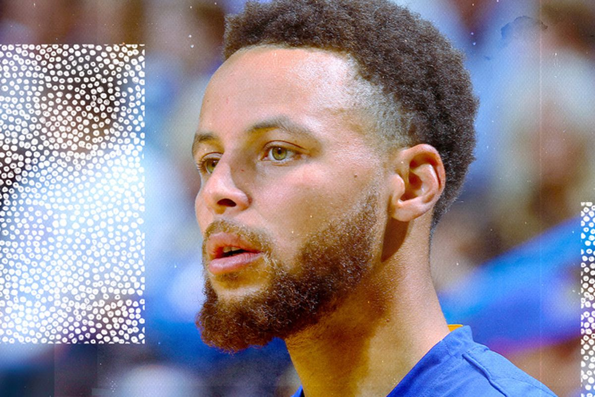 Stephen Curry looking distraught on the court.