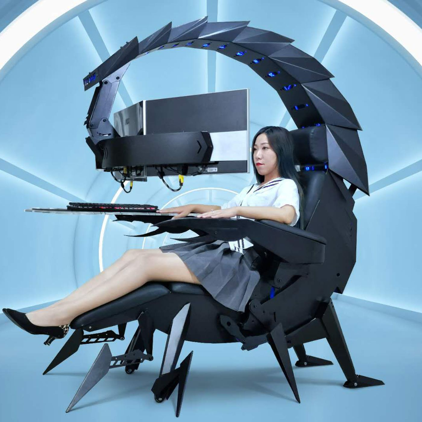 Nothing Says Ready To Game Quite Like Being Cocooned In A Giant Scorpion Cockpit The Verge