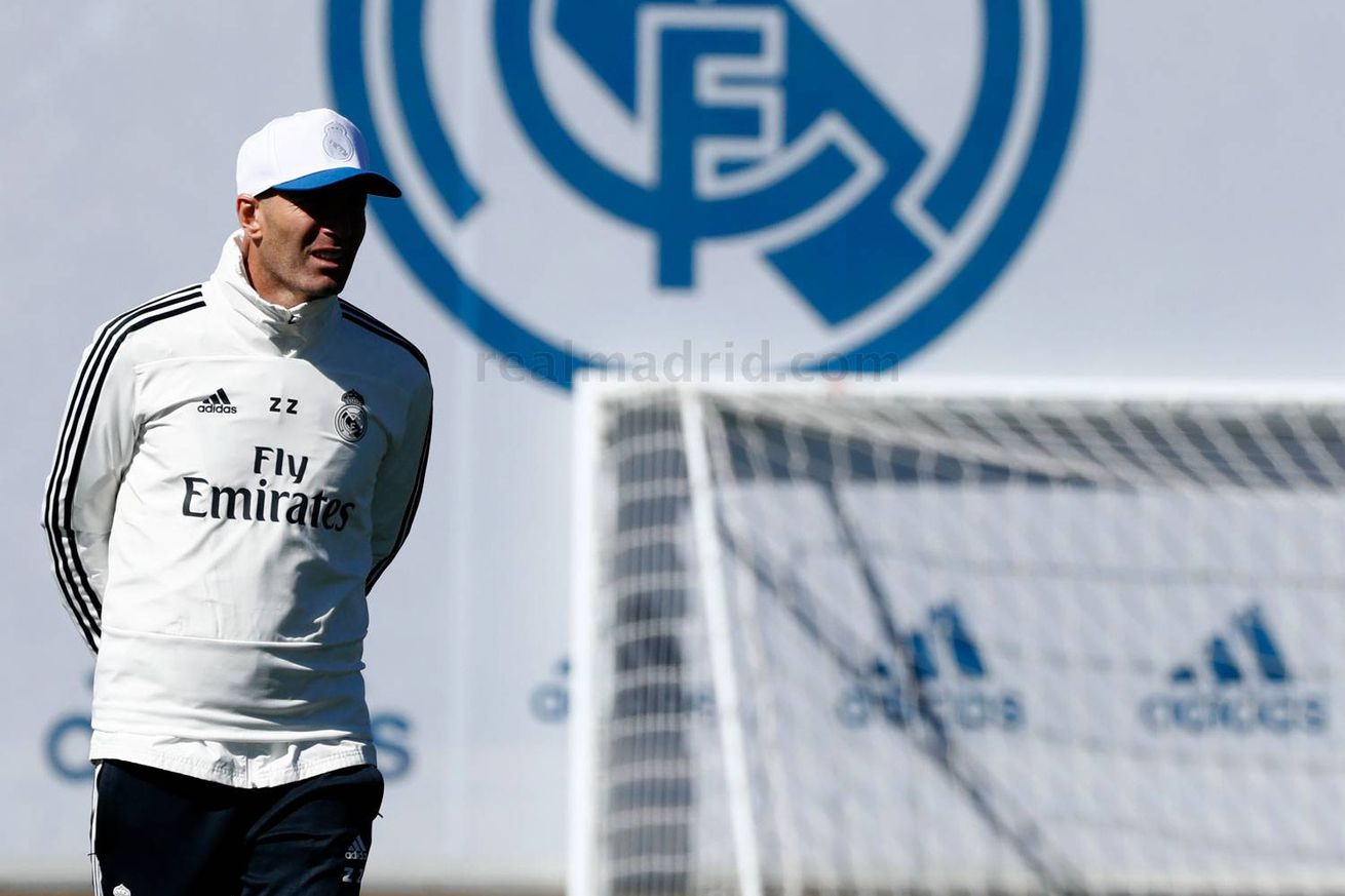 Zidane completes first training session with Real Madrid squad since his return