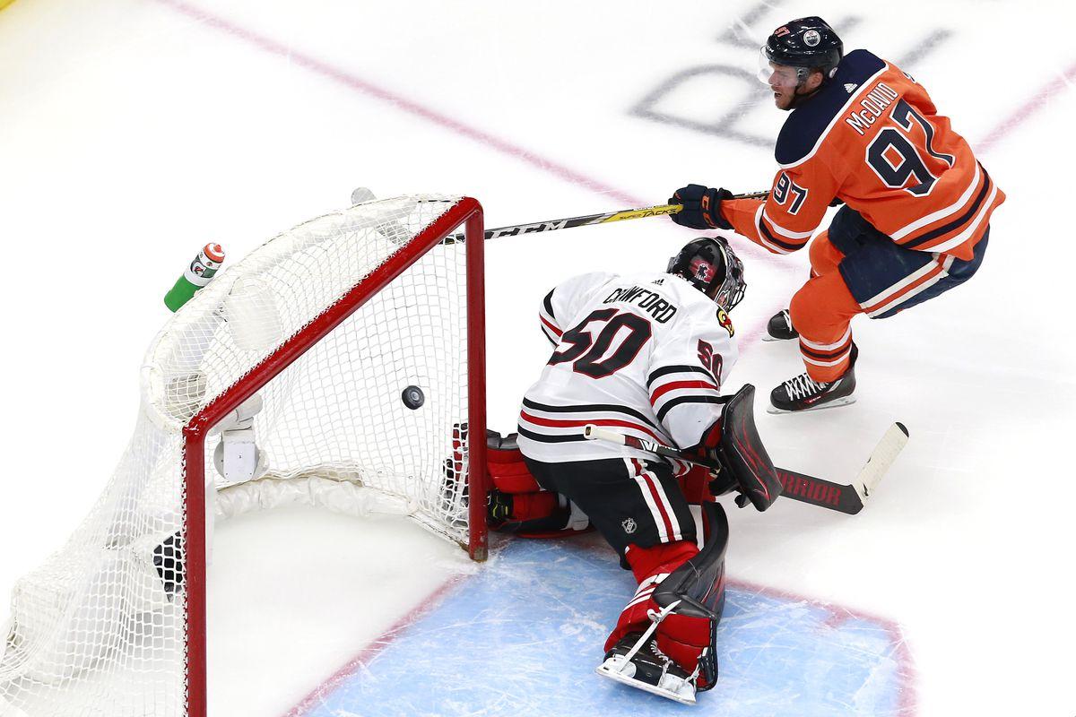 Chicago Blackhawks v Edmonton Oilers