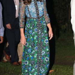 Kate headed to an evening campfire in a blue and green printed maxi dress by Anna Sui. She finished off her look with her favorite Pied a Terre Imperia wedges.