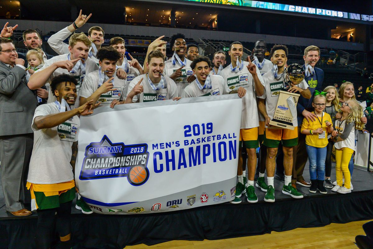 The North Dakota State Bison celebrate the win against the Omaha Mavericks in the Summit Conference Tournament at Denny Sanford Premier Center.