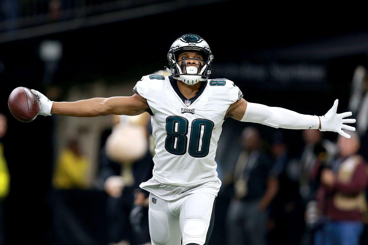 Jordan Matthews, Eagles officially agree to terms