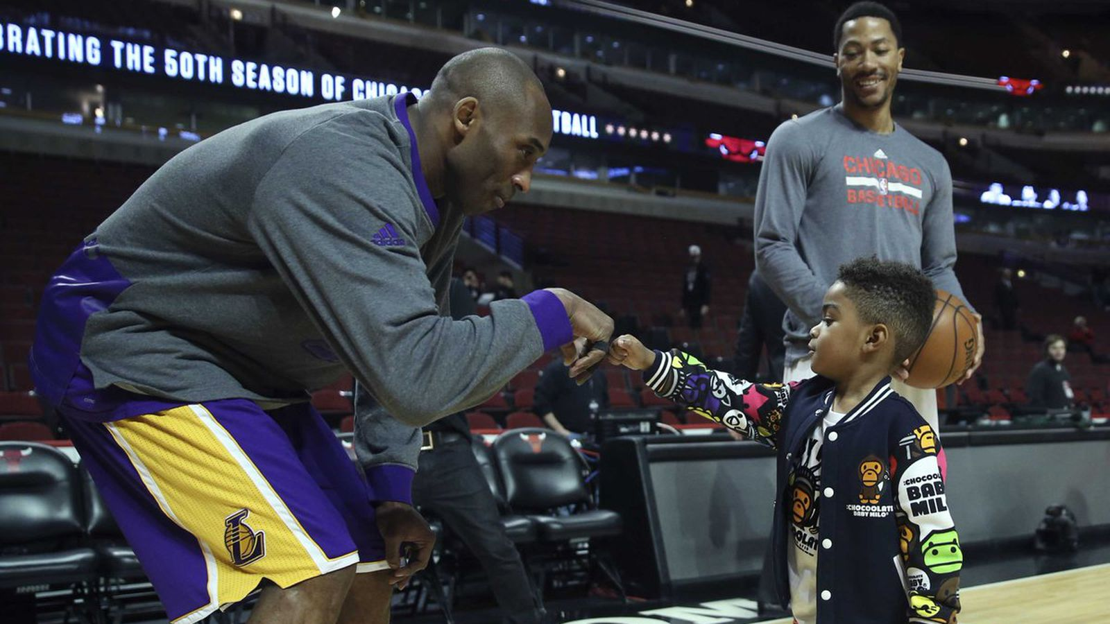 Kobe Bryant fistbumping Derrick Rose's son might be the