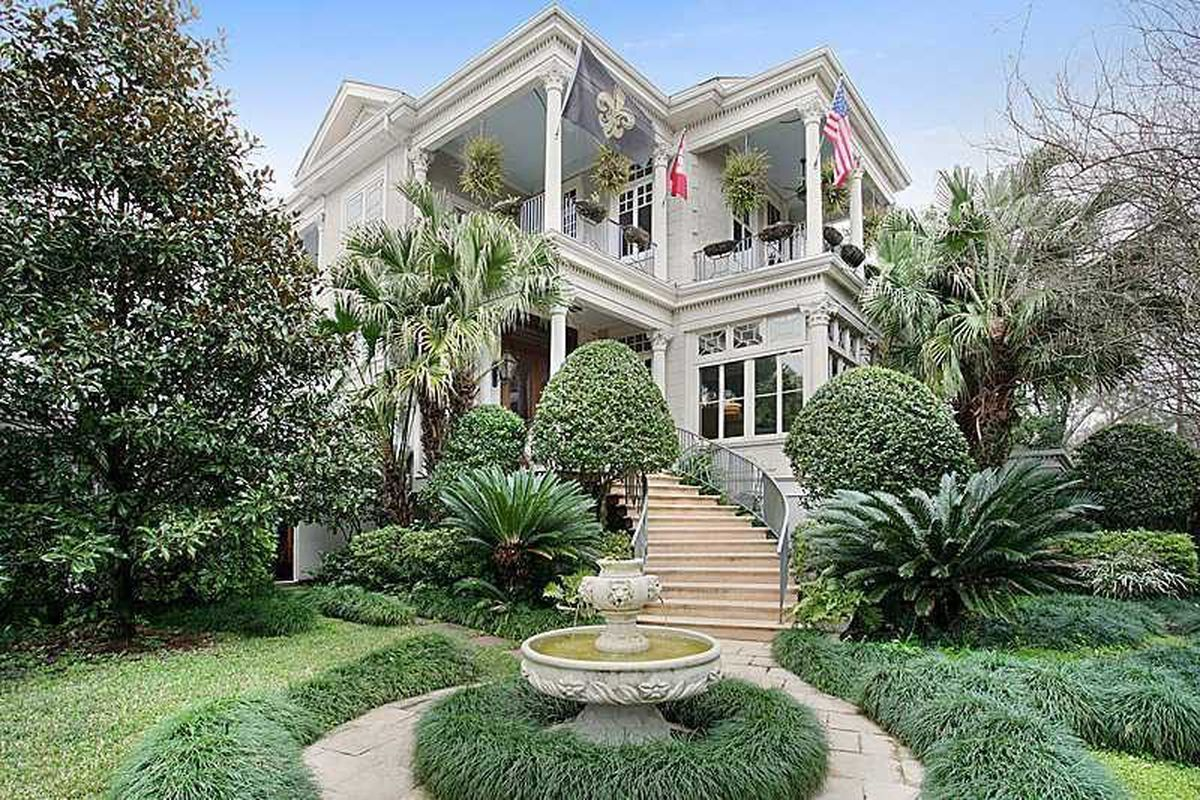 The Real World House Is Back On The Market Asking 265m Curbed