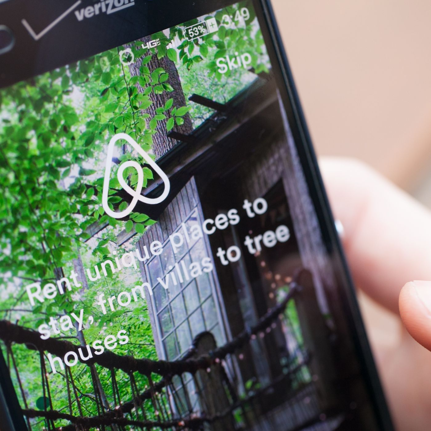 Airbnb is globally rolling out split payments for group trips - The