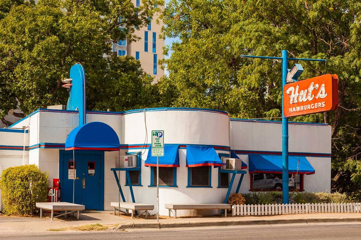 Longtime Burger Restaurant Hut S Hamburgers Is Closing In October Eater Austin