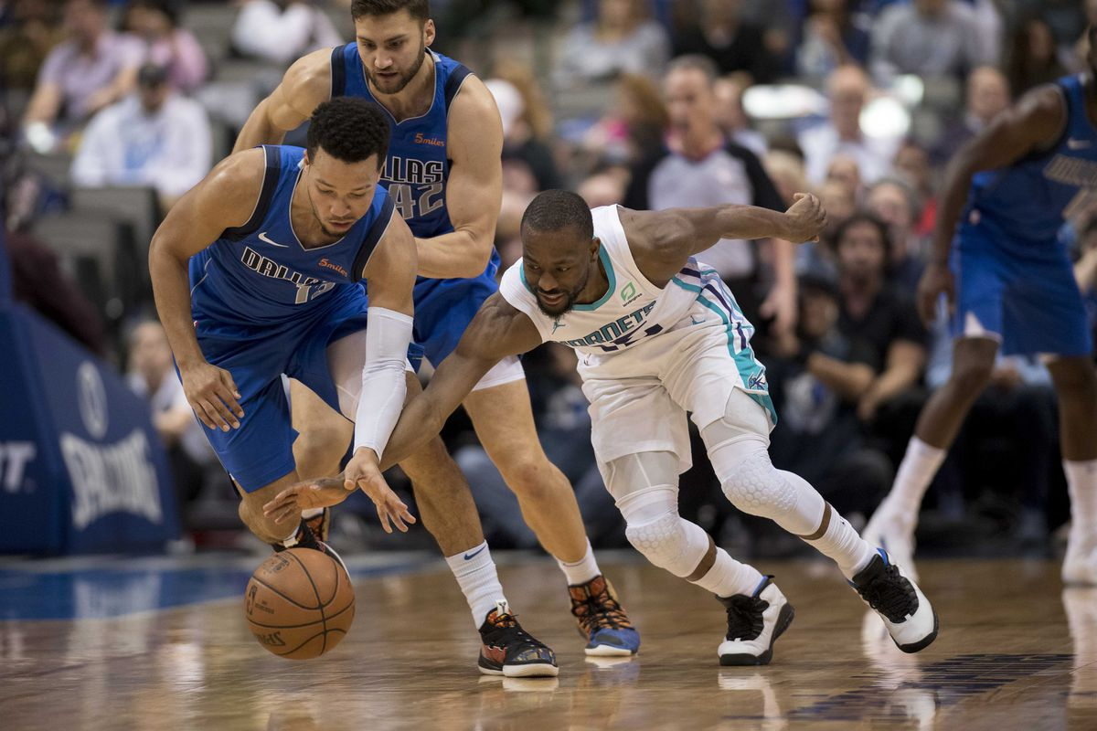 ae3d24bdfbd Hornets Come Up Short Against Mavs - At The Hive