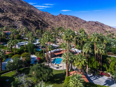 Palm Springs estate with Hollywood and literary ties asks $2.5M