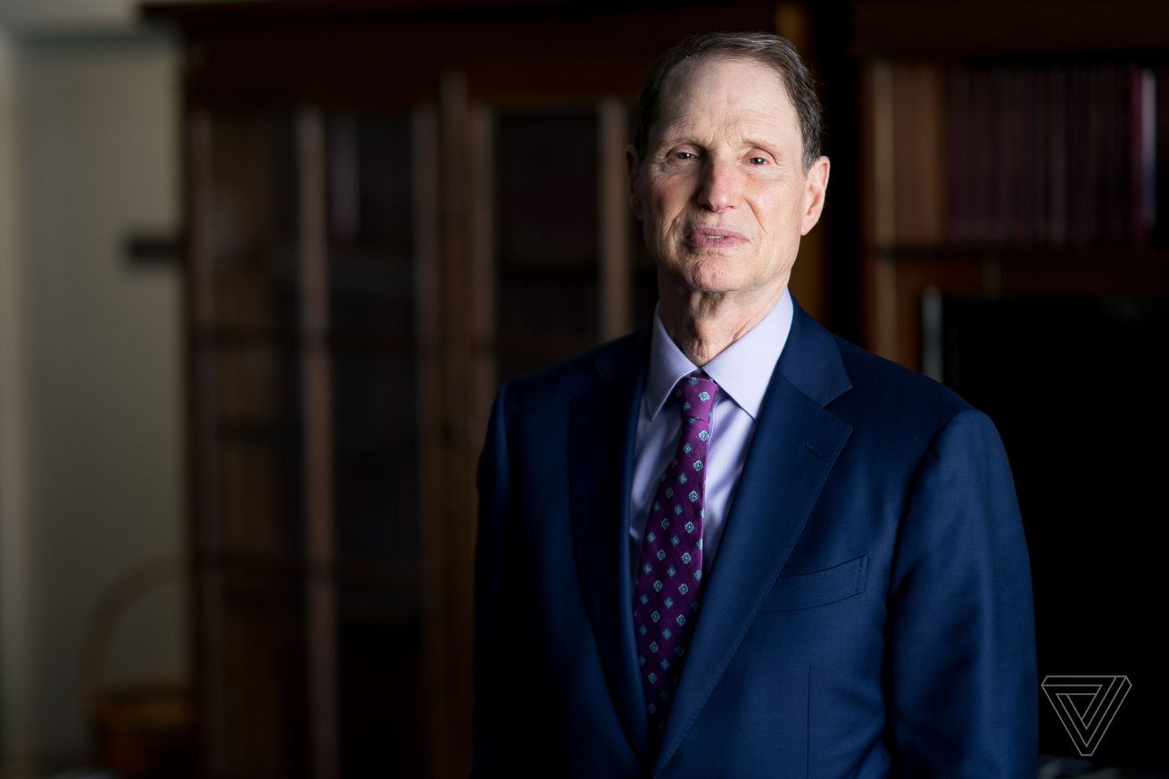 sen ron wyden proposes bill that could jail executives who mishandle consumer data