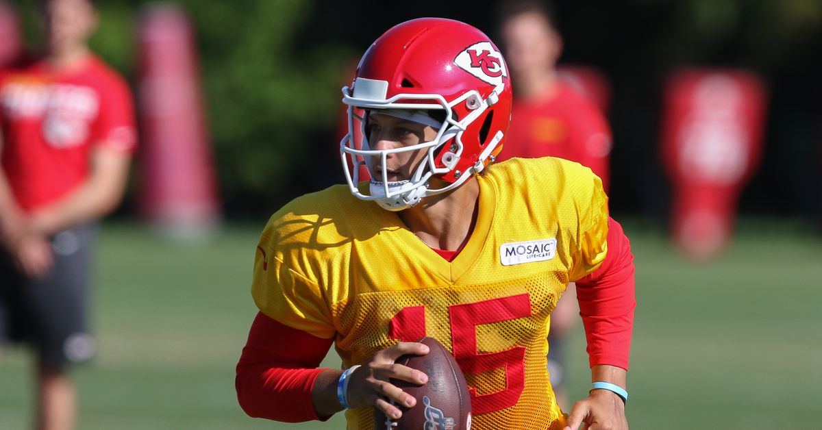 Live updates from Wednesday's Chiefs training camp practice