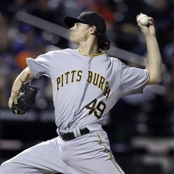 Pittsburgh Pirates starting pitcher Jeff Locke delivers in the first inning against the New York Mets in the inning of their baseball game at Citi Field in New York , Wednesday, Sept. 26, 2012.
