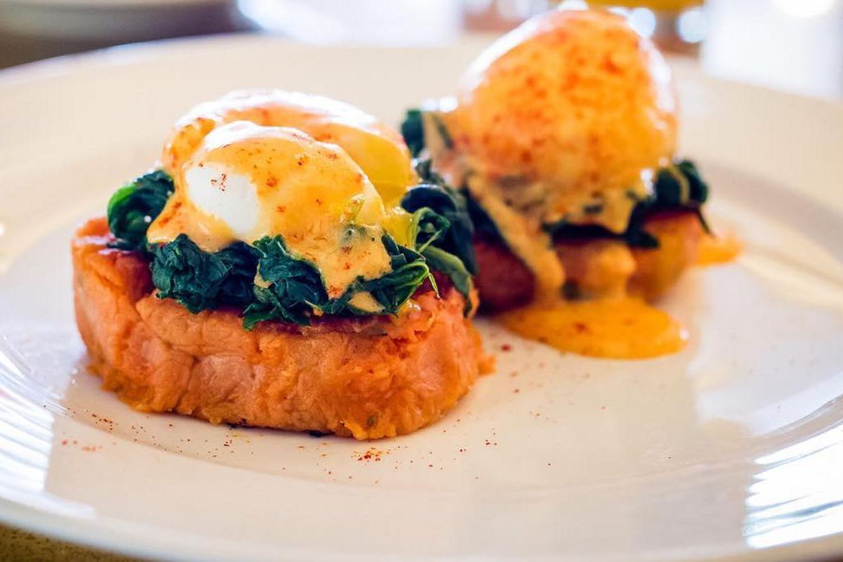 Eggs benedict at Villandry, a pair of grand cafe restaurants in London struggling with market downturn