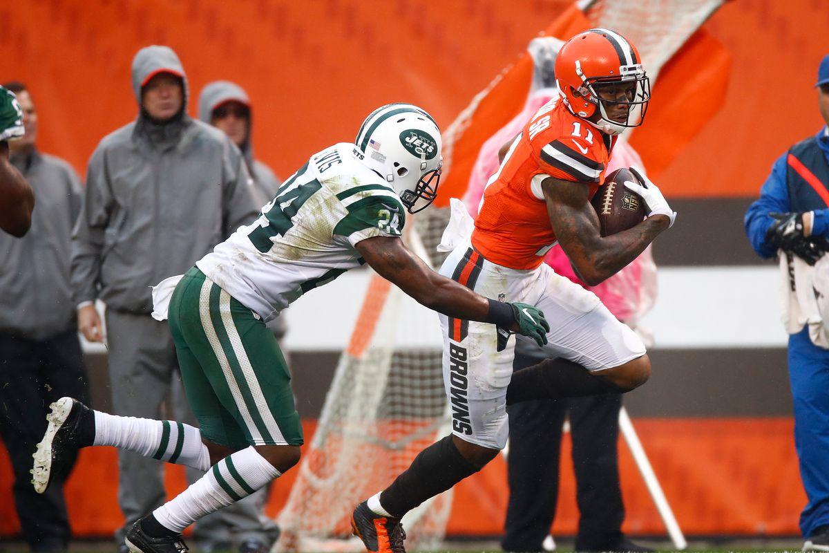 New York Jets v Cleveland Browns
