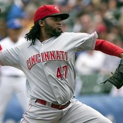 Cincinnati Reds starter Johnny Cueto pitches to the Chicago Cubs during the first inning of a baseball game in Chicago on Thursday, Sept. 20, 2012.
