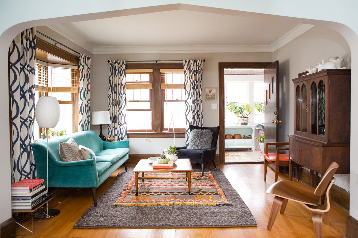 This Cozy Minneapolis Bungalow Shows How To Do Rug Layering A Neutral Base With Smaller Accent Piece On Top Photo By Wing Ta