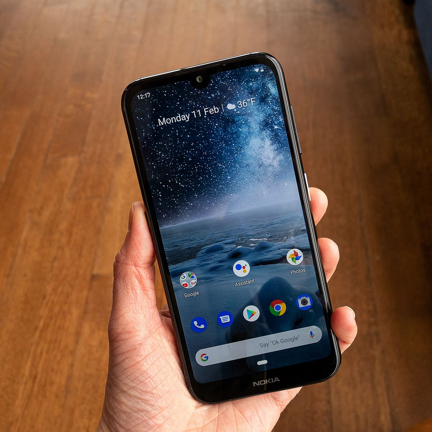 The Nokia 4 2 Gets A Us Release Date And 189 Price Tag The Verge