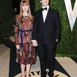 Songstress Joanna Newson (with bf Andy Samberg) went predictably quirky.