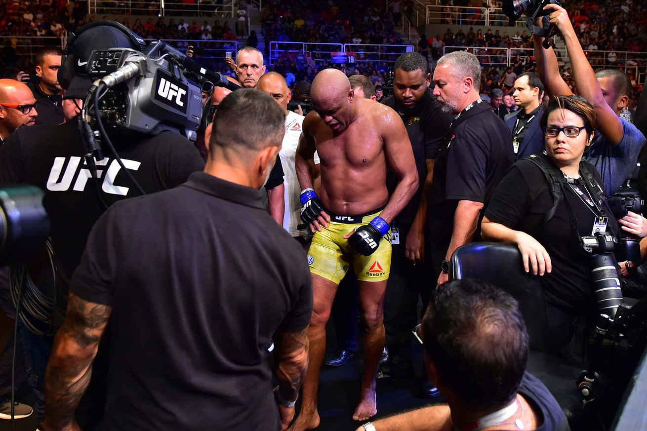 Anderson Silva suffered a knee injury during his co-main event clash with Jared Cannonier.