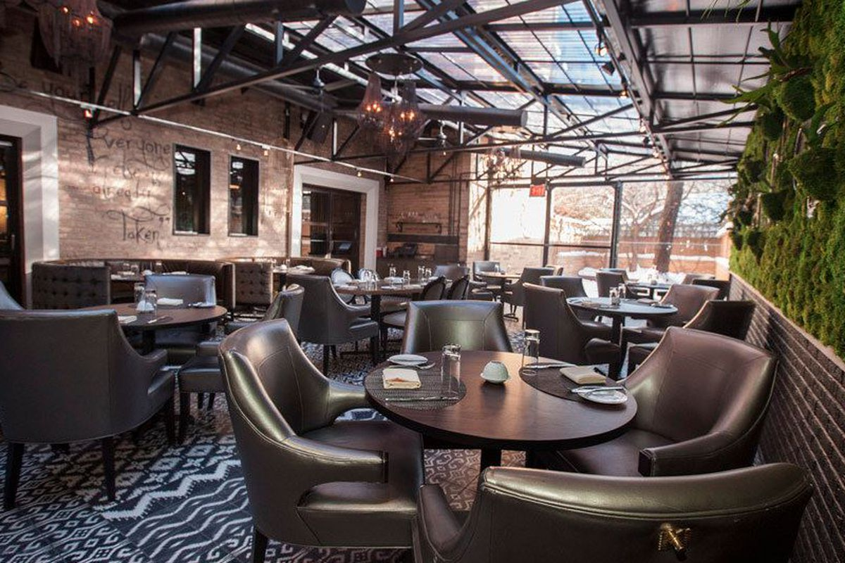 """<a href=""""http://chicago.eater.com/archives/2014/02/10/look-inside-the-boka-remodel-opening-tonight.php"""">Boka, Chicago</a>."""