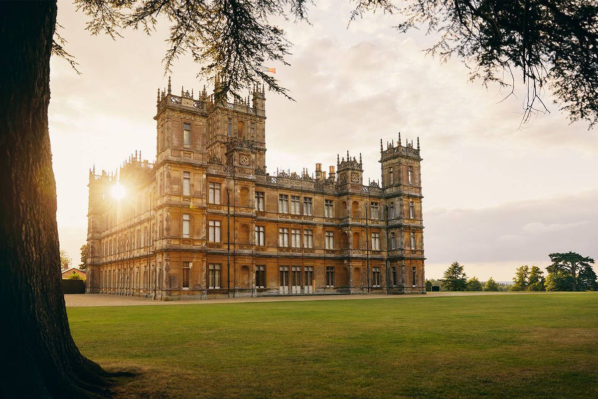 Downton Abbey Castle To Be Listed On Airbnb For One Night Stay