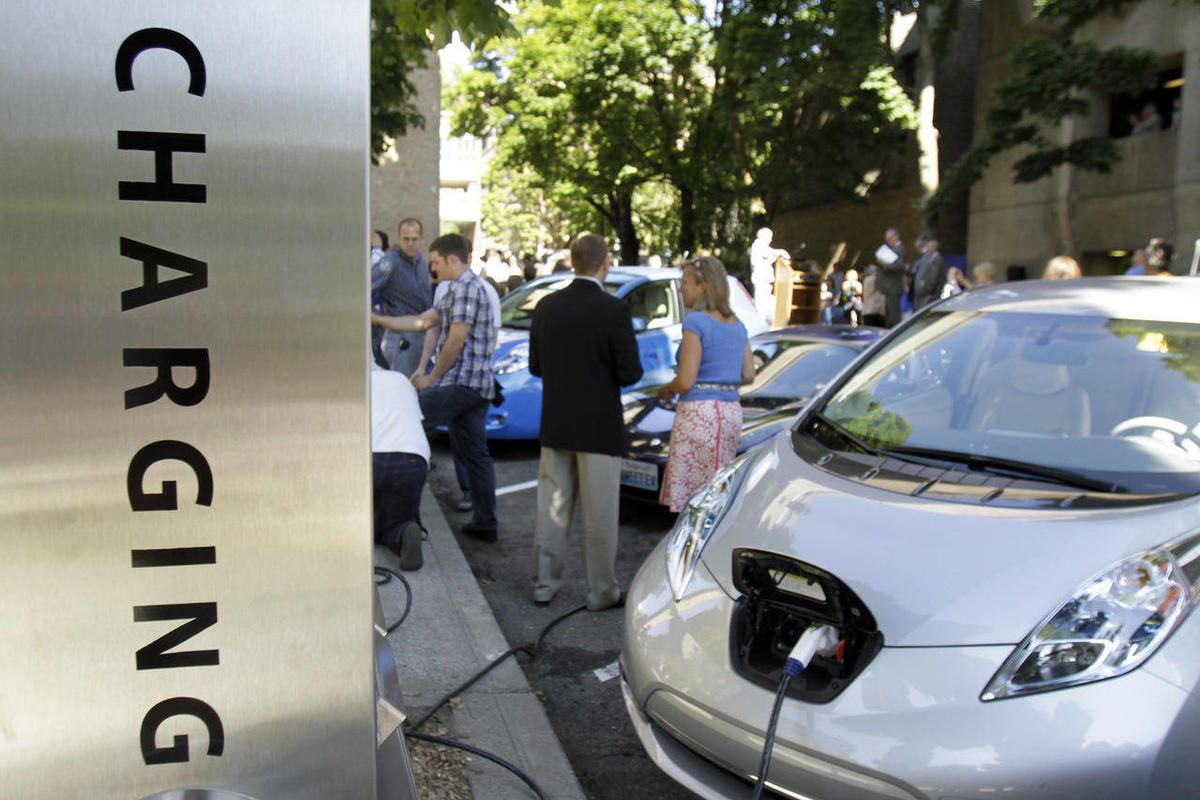 People often bemoan the state of politics in our nation. But Republicans and Democrats in the Utah legislature worked together this session to tackle urban air pollution and pass laws that support widespread adoption of clean electric vehicles.