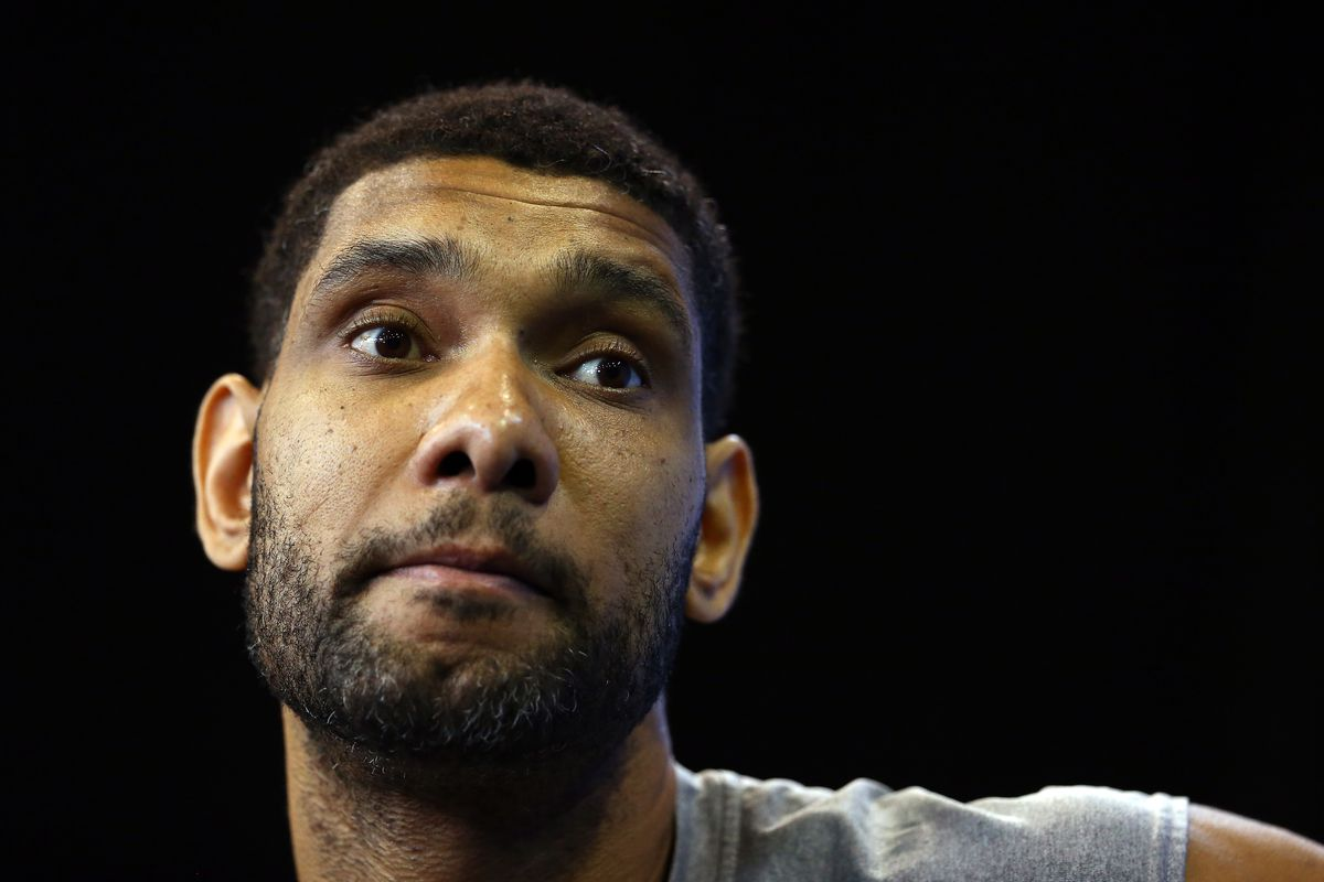 Tim Duncan steps up even when it means doing what he hates