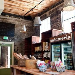 """<a href=""""http://sf.eater.com/archives/2012/05/31/inside_the_opening_day_rush_at_salumeria.php"""">SF: Inside the Opening Day Rush at <strong>Salumeria</strong></a> [Aubrie Pick]"""