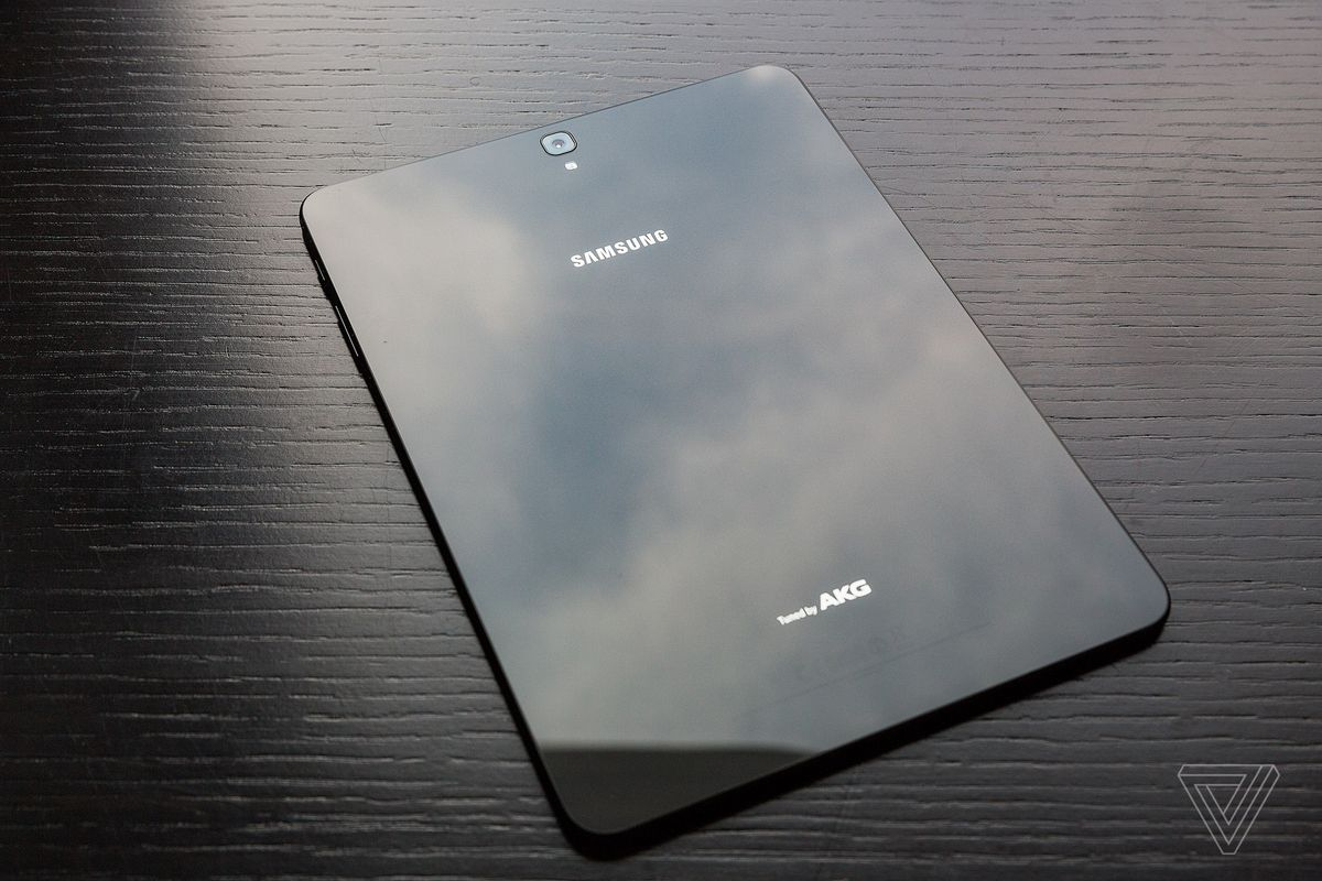 Samsung's new Galaxy Tab S3 comes with four speakers and a