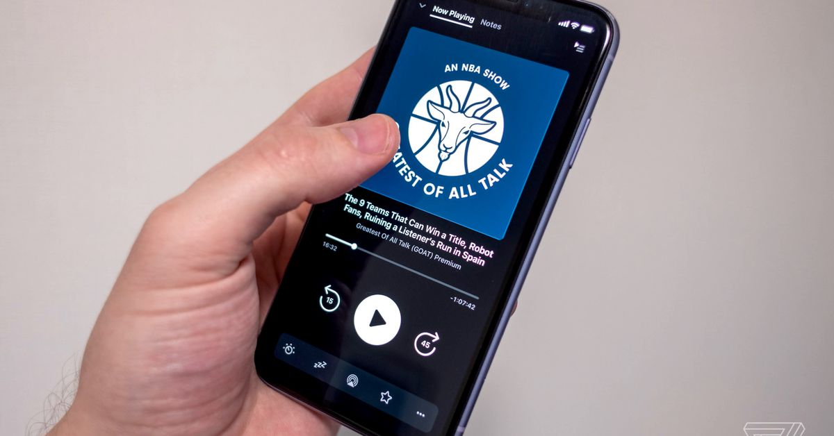 Apple pulls podcast apps in China after government pressure