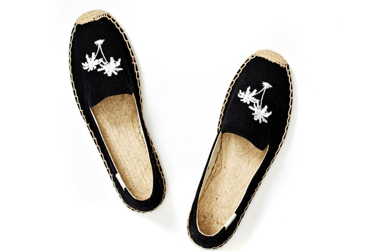"""Soludos Palm Trees Smoking Slipper in Black/White, <a href=""""http://www.soludos.com/women/smoking-slipper-embroidery-palm-tree-black-linen-womens"""">$65</a>"""