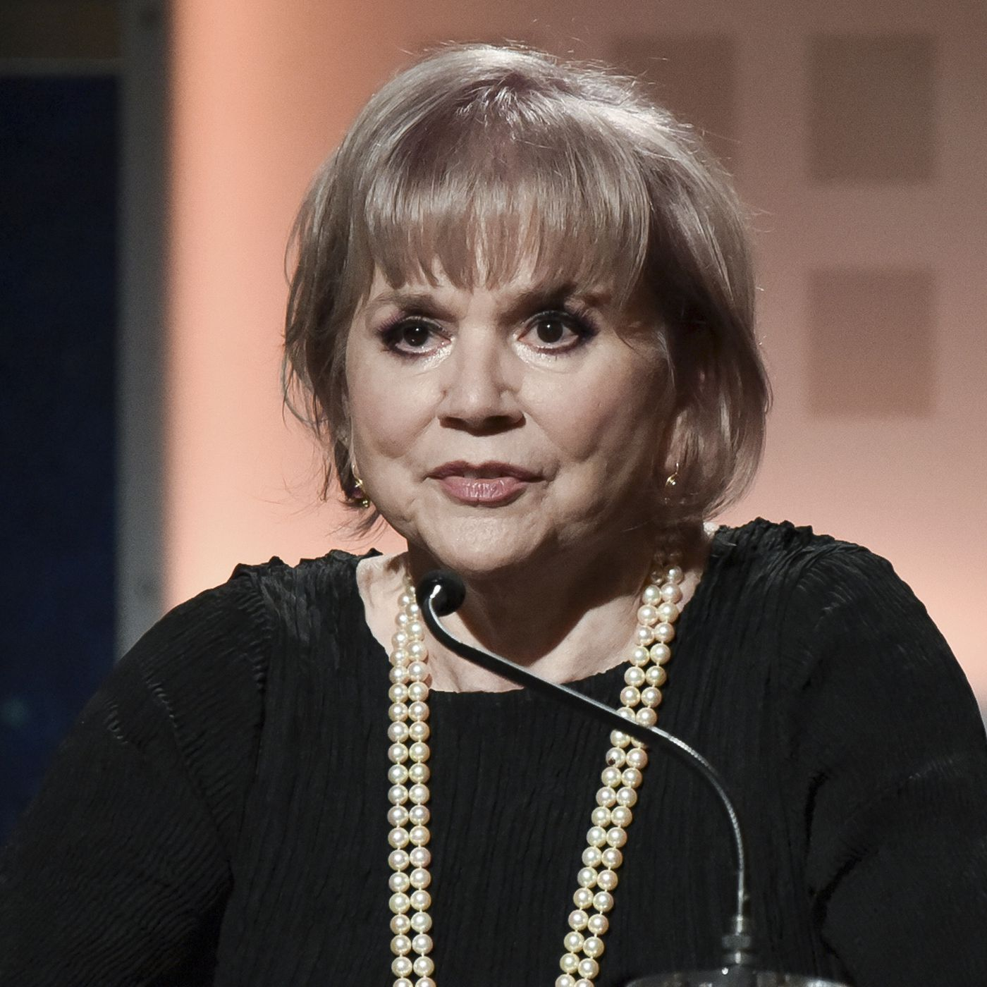Linda Ronstadt Honored As A legend Looks Back At A Life Filled With Multi cultural Music Chicago Sun Times