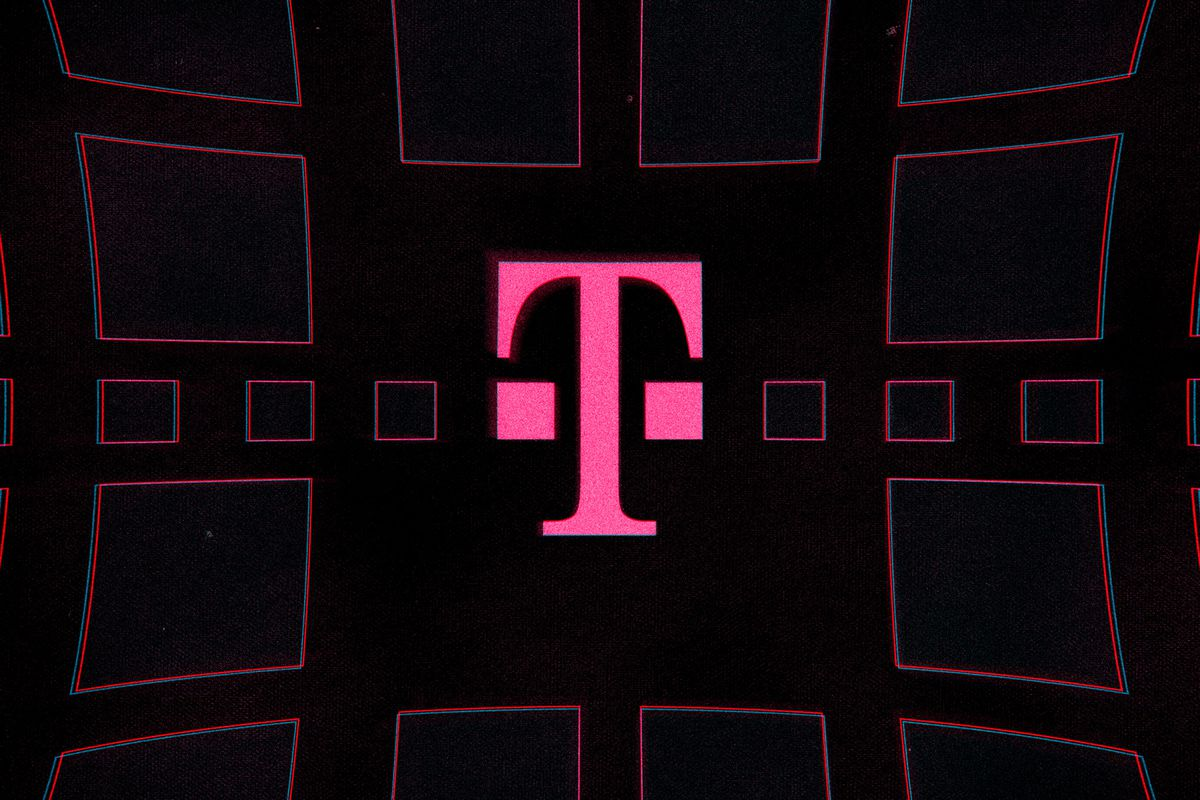 T Mobile Expands Its Faster Midband 5g Network Nearly Doubling Its Coverage The Verge