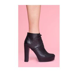 """<a href=""""http://www.nastygal.com/shoes-boots/evonna-oxford-boot""""><b>Nasty Gal</b> Evonna Oxford Boot</a> $64 (was $128)"""