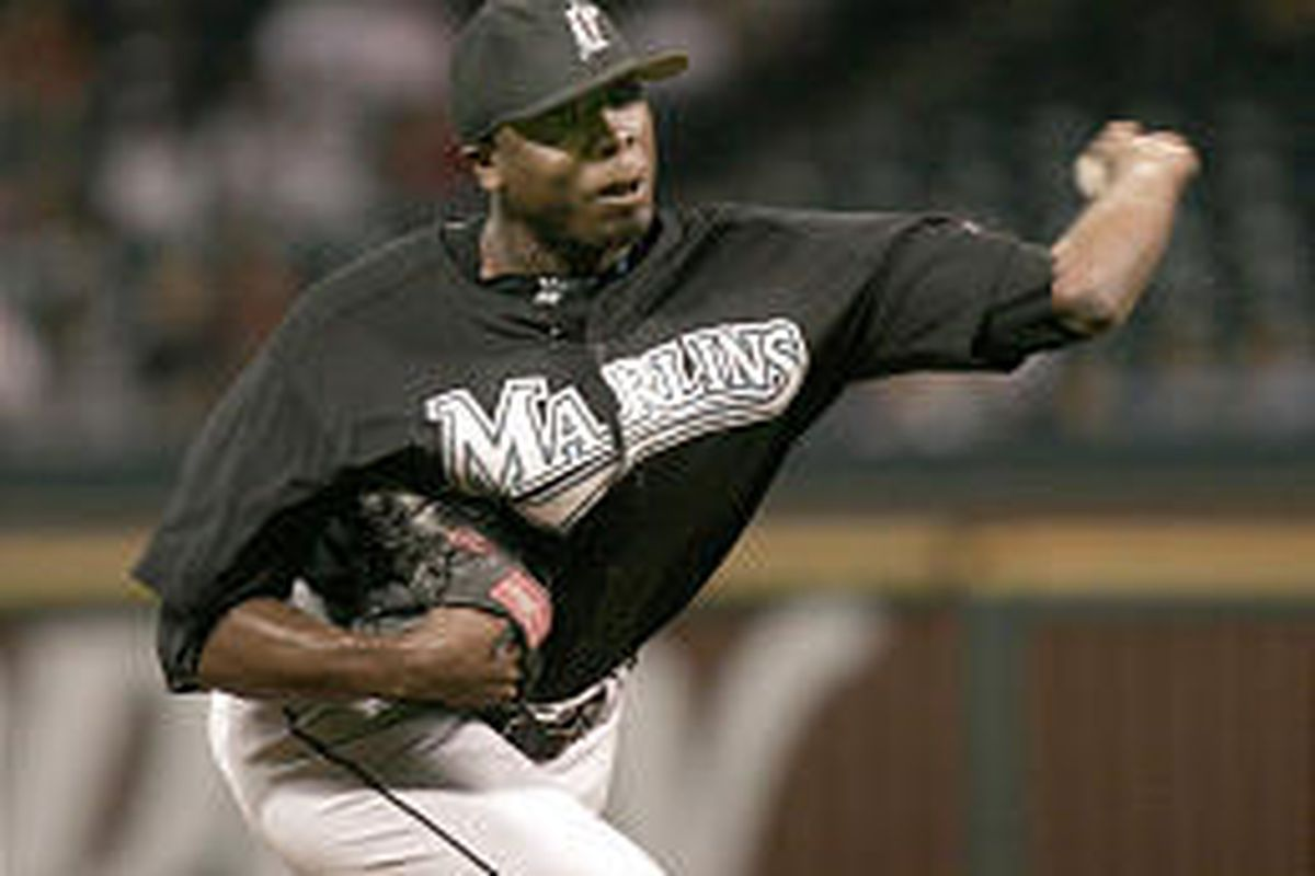 Florida Marlin pitcher Dontrelle Willis was sharp in his seventh complete game and 21st victory.