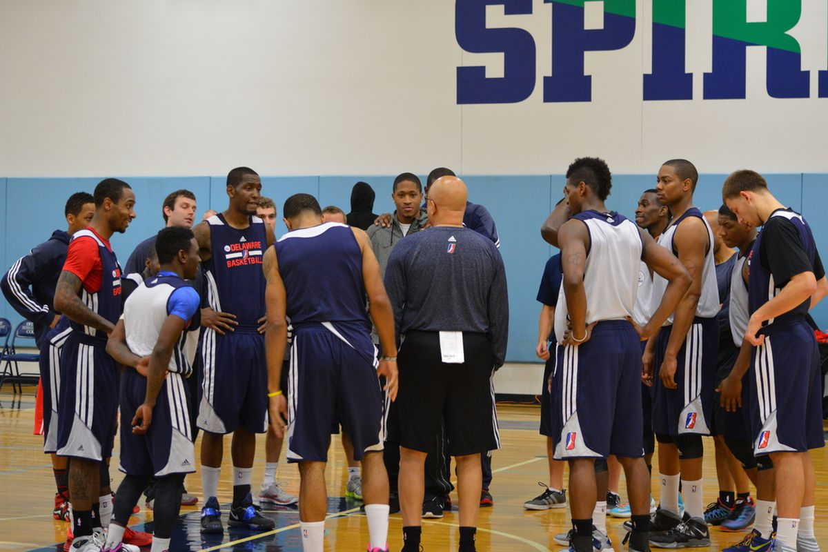 The Delaware 87ers huddling up before their open scrimmage on Saturday