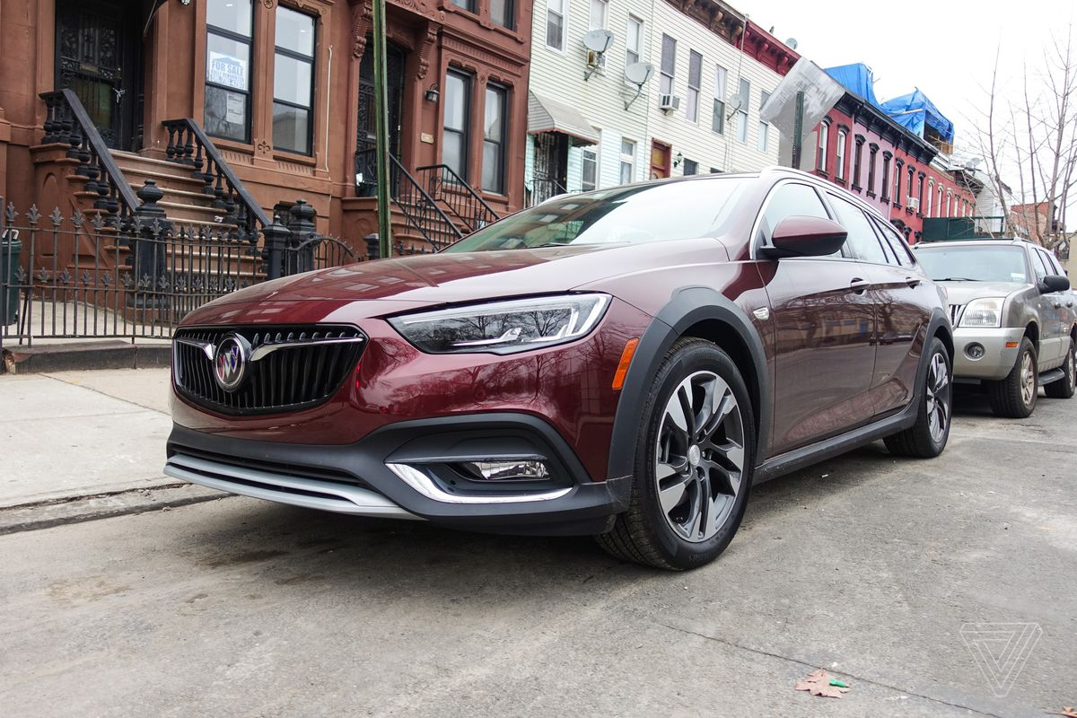 Buick Regal TourX shows the secret cool of station wagons ...