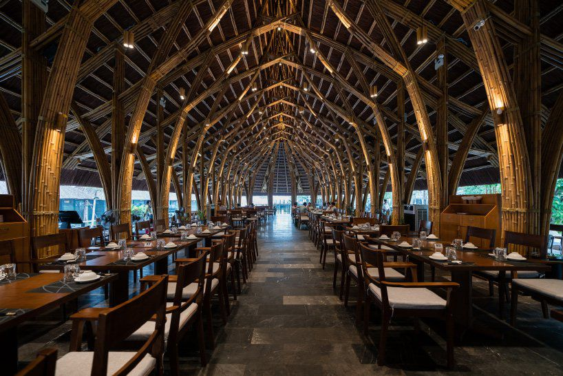 Vaulted ceiling made of bamboo