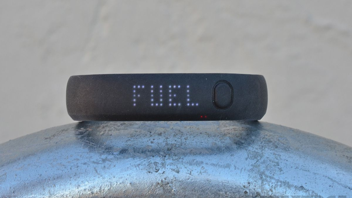 amistad analogía vídeo  Nike+ FuelBand review - The Verge