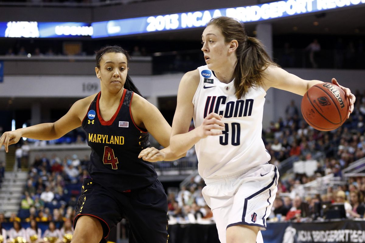 Breanna Stewart had 17 points, 8 rebounds, 3 steals and 4 blocks to help UConn advance to the Elite Eight.