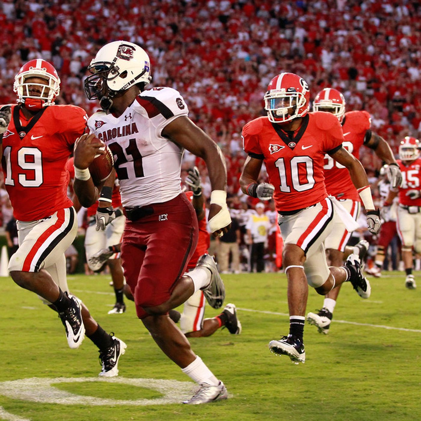SEC Football Insider South Carolina Takes A Shaky Lead In The SEC
