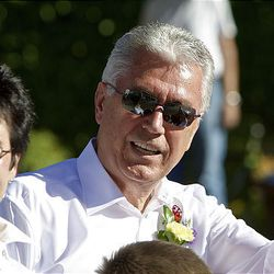 Pres. Dieter F. Uchtdorf, second counselor in the First Presidency of the LDS Church, and his wife, Harriet, at the parade.