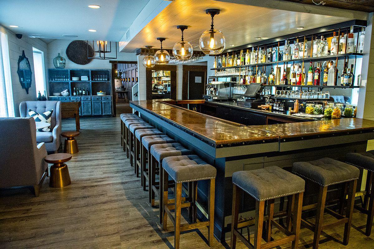 The bar at Cape Dutch.