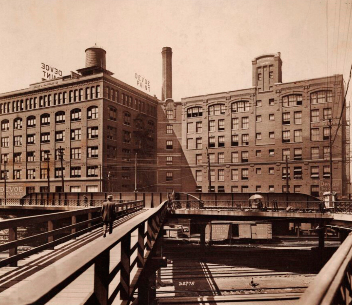 Old Chicago Factory To Soon Reopen As Huge Greco-Roman