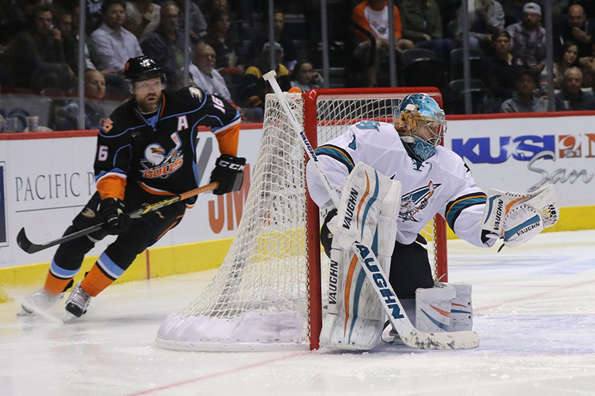 San Jose Barracuda goaltender Troy Grosenick makes one his 32 saves Saturday night in the Barracuda 4-3 win over the San Diego Gulls at Valley View Casino Center Saturday night. (SJBarracuda.com)