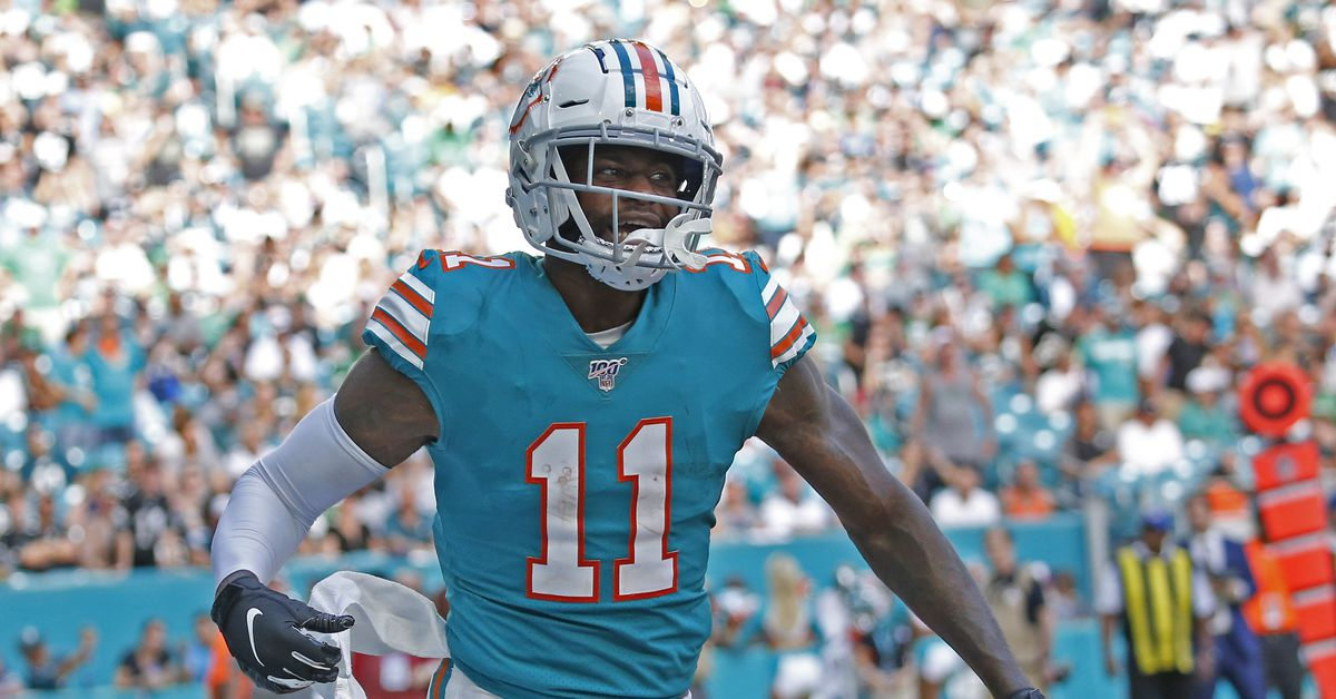 UPDATE: DeVante Parker out concussion; Albert Wilson out too